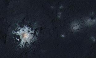 谷神星神秘亮斑之谜:奇特轴向倾斜