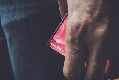 终于等到:Essential全面屏手机本周开卖
