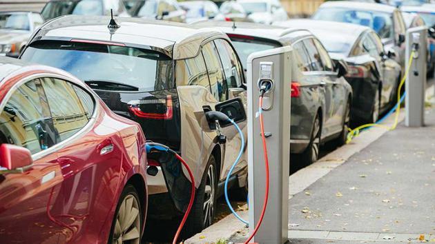 电动汽车发展还要靠政府:没有补贴 特斯拉就毁了
