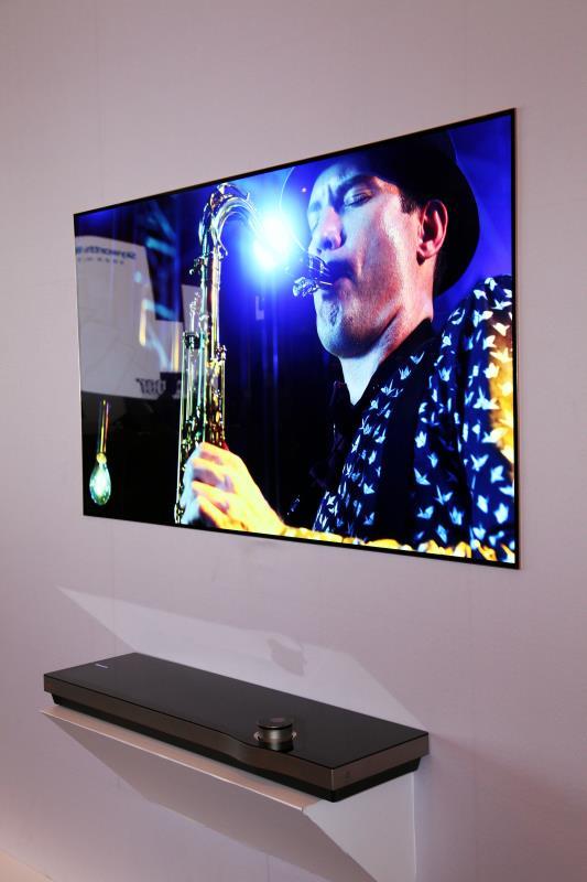 """创维发布了""""一张""""电视:3.6mm厚售价十万-高清范资讯"""