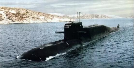 中国能海底发射导弹么