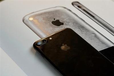 """苹果重大决定:新iPhone变""""翻新机"""""""