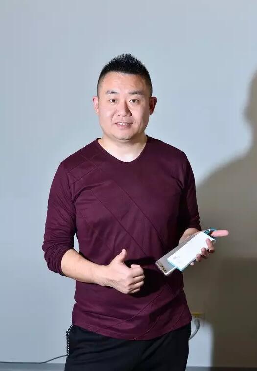 ▲在来电科技创始人兼CEO袁炳松看来,从大场景切入小场景不难,但从小场景切入大场景,难度极大,这正是来电科技的竞争壁垒。