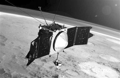 在火星轨道执行任务的MAVEN飞行器。
