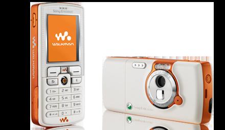 (2005 年,首款 Walkman 手机)