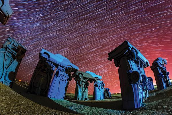 美国摄影师拍摄绝美星空 呼吁关注城市污染