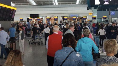 遭遇罕见大面积网络故障 英航取消两大机场所有航班
