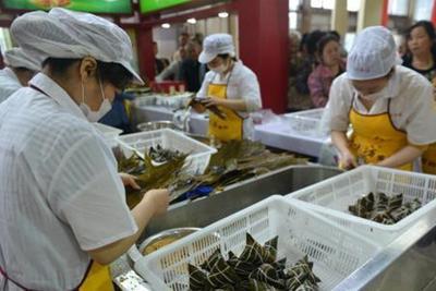 """粽子简史:古称 """"角黍"""" 晋代加入中药材"""