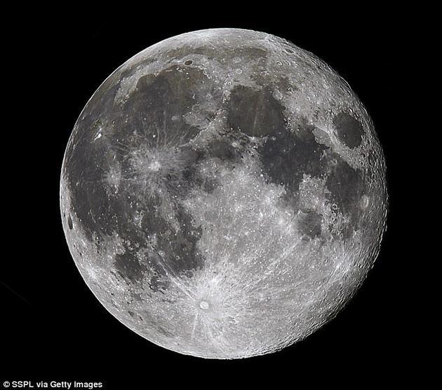 美国宇航局希望商业公司除了分享太空发射和运载登陆服务的详细内容之外,还能提供月球表面勘测数据或者返送载荷和月球样本至地球。