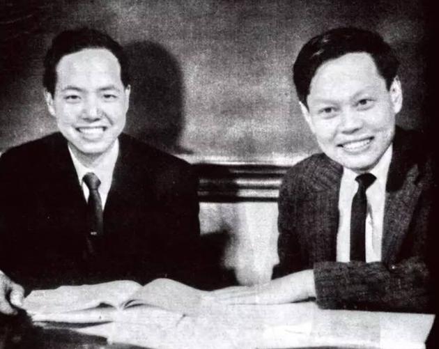 1957年,杨振宁与李政道提出的「弱相互作用中宇称不守恒」观念被实验证明而共同获得诺贝尔物理学奖。