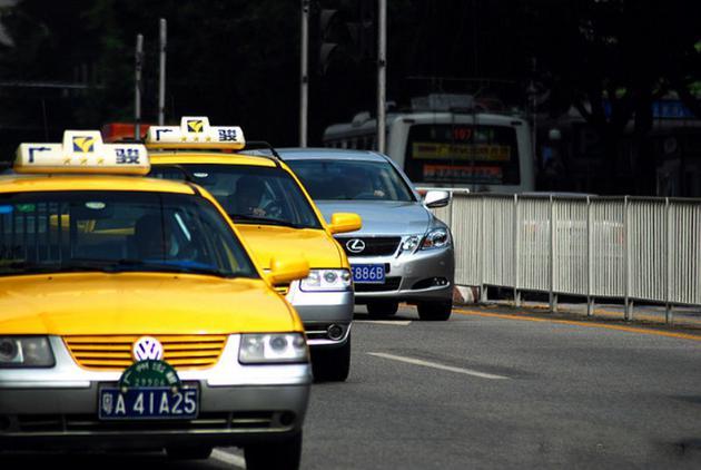 广州网约车新政实施半年 市民叫车等待时间增加一倍