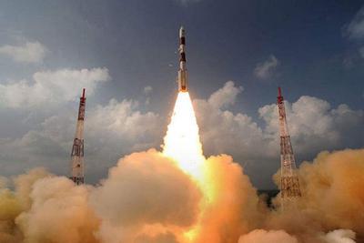 """印度发射""""一箭31星"""" 含能识别飞机型号的侦察卫星"""