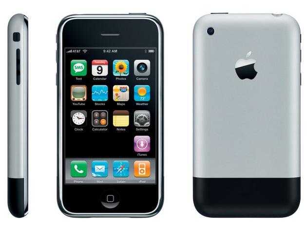 (第一代 iPhone,图片来自:IOSBay)
