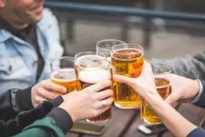 """流言揭秘:""""啤酒肚""""真的是喝啤酒喝出来的吗?"""