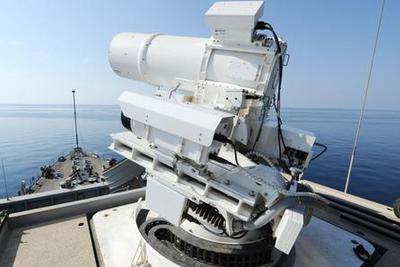 美国世界首台现役激光武器击落无人机:1美元1发
