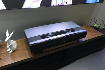 极米发布4K双色激光无屏电视:对飚小米 价格亮了