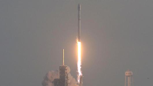 马斯克:预计11月首次发射Falcon Heavy运载火箭