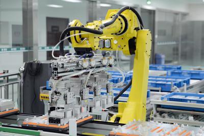 3年缺口300万!机器换人之后招不到操作机器的人了!
