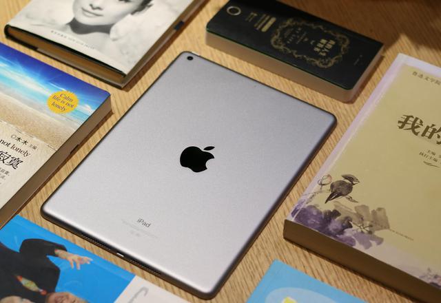 苹果财报细节:iPad触底反弹 销量增15%