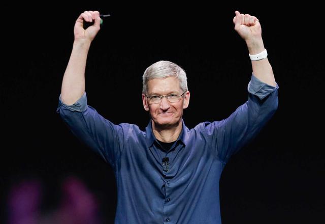 苹果股票再创新高 市值逼近8300亿美元