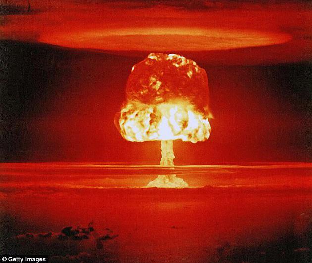 专家警告称,核弹爆炸并不仅限于区域性核打击,像这样的爆炸事件将导致全球性毁灭。最新一项研究报告显示,几个核大国拥有的核弹一旦引爆,足以引发气候变化。