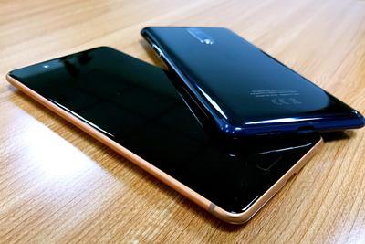 诺基亚旗舰Nokia 8上手:黑白双镜头 古铜新配色