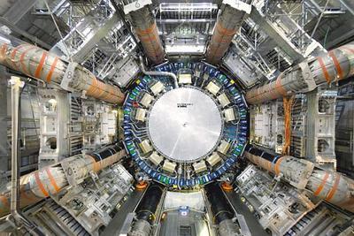 大型强子对撞机新实验证实量子力学最早预言