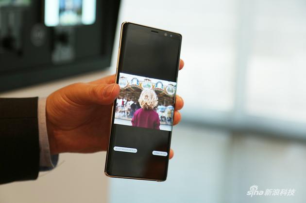 一  张照片可以调节对焦,也可以调节构图