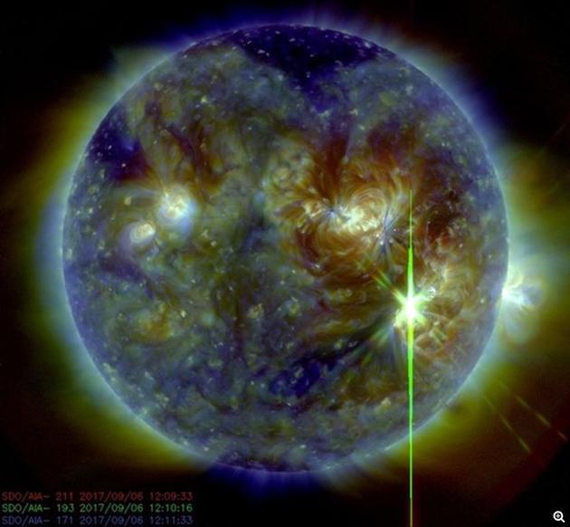 国际标准时间当天12:02(北京时间20:02)左右,太阳表面发生一次剧烈的耀斑爆发,强度达到惊人的X9.3级。上一次出现等级达到X9级的耀斑爆发还要追溯到2006年
