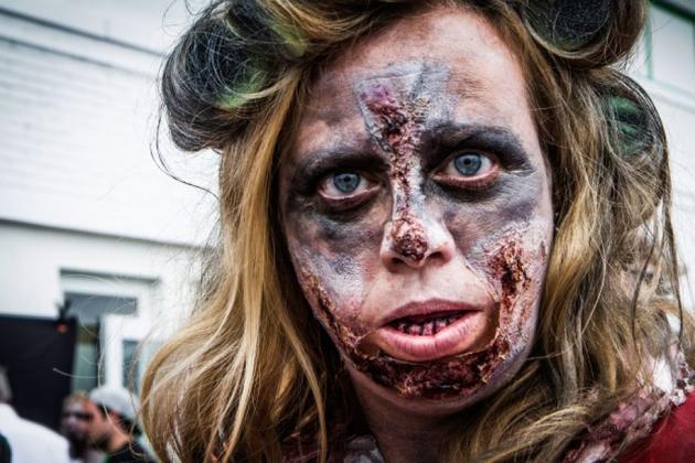 这些伤口只会越变越糟。僵尸的皮肤没有自我修复功能。