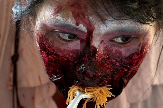 无论丧尸吃什么,最后的结局都只有一个:在胃里发酵,最后爆炸。