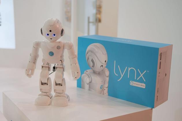 ▲優必選的Lynx機器人,給用戶帶來了全新的人機交互體驗。會來科學節嗎?你去看看就知道啦!