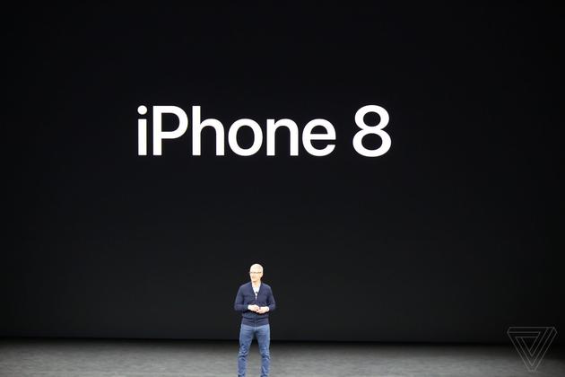 iPhone 8抢先发布 :支持无线充电