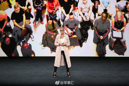 安吉拉对Apple Store进行了介绍