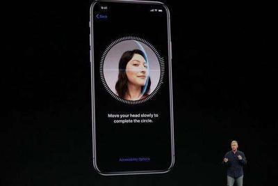 苹果副总裁:iPhone X人脸识别的段子不会发生