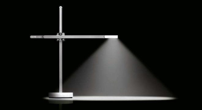 """戴森发布了号称""""祖传""""的台灯"""