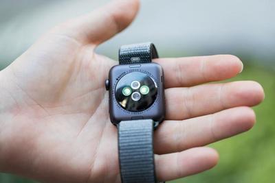 Apple Watch 3被曝LTE连接问题:股价早盘下跌2.5%