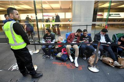 iPhone 8悉尼开卖遇冷 排队者不到30人