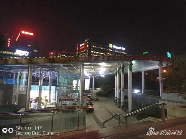 金立M7夜景照片