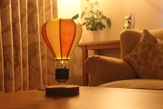 热气球外形磁悬浮灯 让睡觉也成为梦幻的事