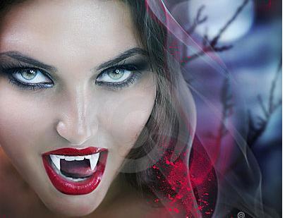 """美国科学家最新研究称,""""吸血鬼""""可能真实存在,但只不过是红细胞天生性原卟啉病患者,他们害怕阳光,喜欢饮食血液。"""