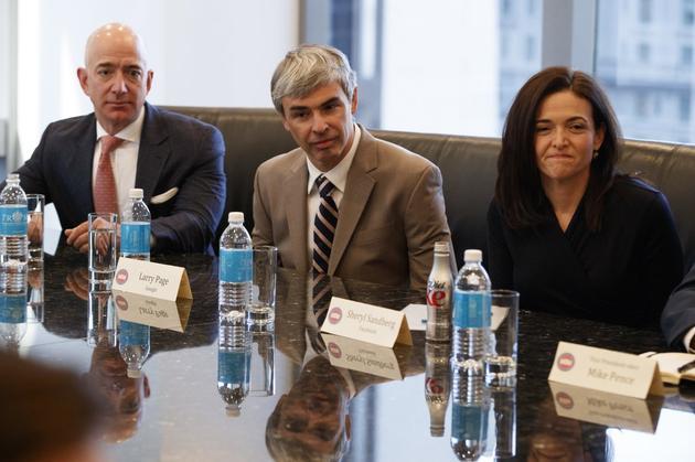 (從左至右)亞馬遜CEO傑夫·貝索斯、Alphabet CEO拉裏·佩奇和Facebook COO雪莉·桑德伯格