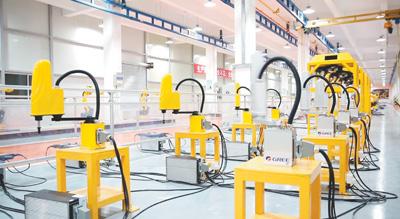格力智能机器人生产线。 资料图片