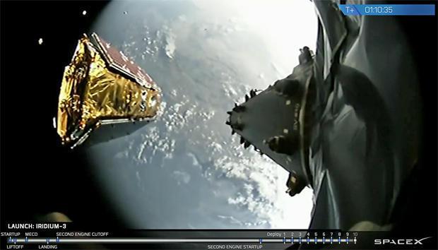 10颗NEXT卫星在15分钟内全部部署完成。图为火箭携带的摄像头所摄画面,可以看到左侧已有四颗卫星进入轨道。