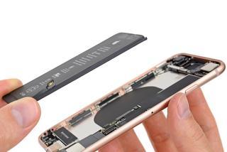 美国再现两例iPhone 8面板开裂