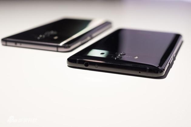 两款手机侧面对比