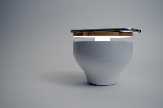 外形酷似一个带木盖的大碗