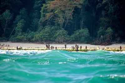 最与世隔绝的人群:如果经过他们的岛可能会被箭射死