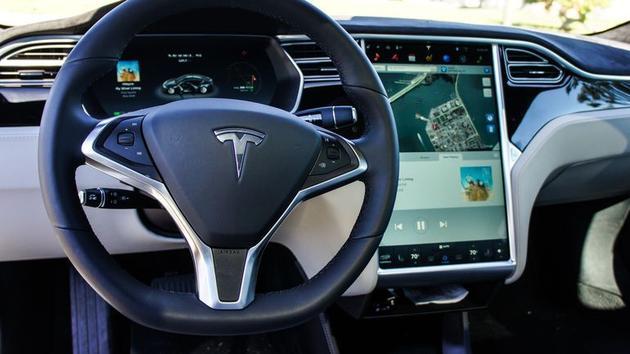 马斯克:未来特斯拉无人车可自动预测目的地