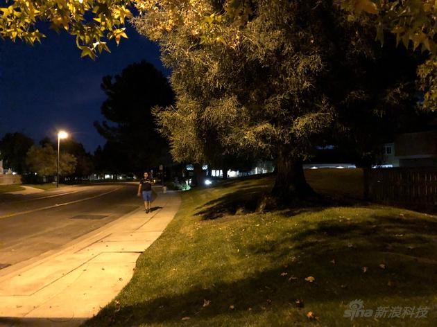 iPhone X夜间拍照表现